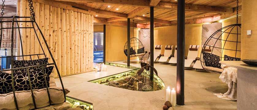 Hotel Rieser, Pertisau, Lake Achensee, Austria - spa lounge.jpg